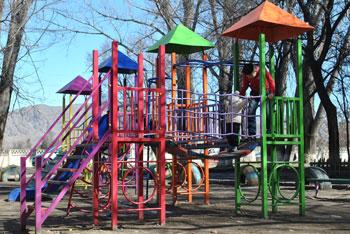 Детская площадка Токмок ул.Гагарина
