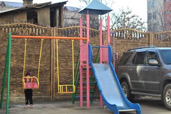 Детская площадка Бишкек ул. Умуталиева